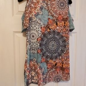 Very pretty floral top
